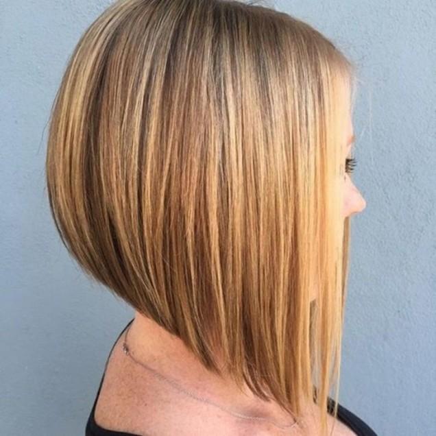 Прическа боб каре за руса коса