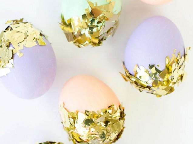 боядисване на яйца с фолио
