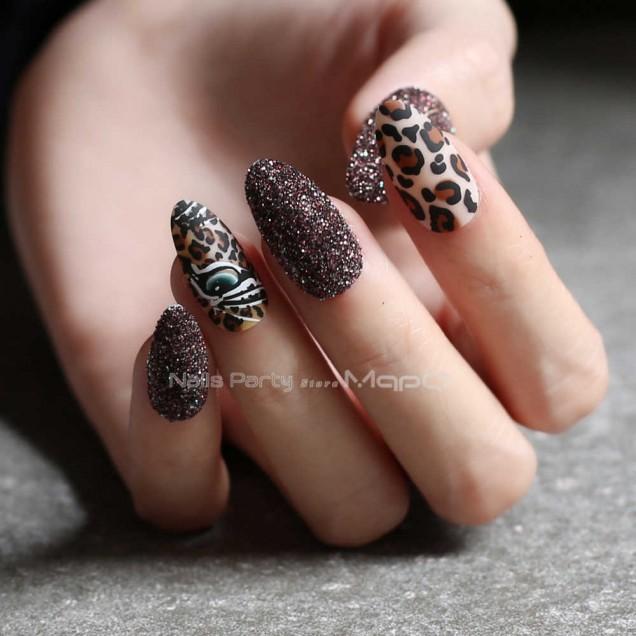 черен леопардов маникюр