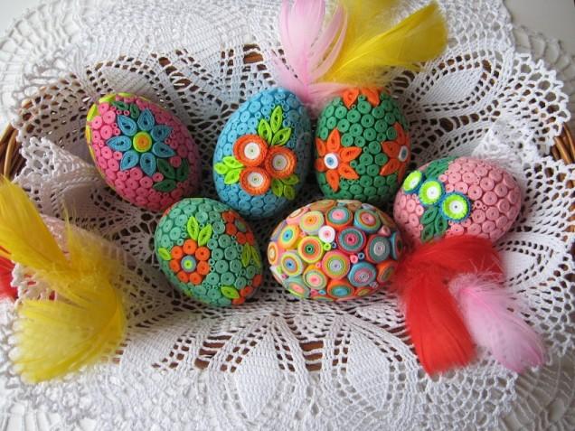 украсени яйца квилинг