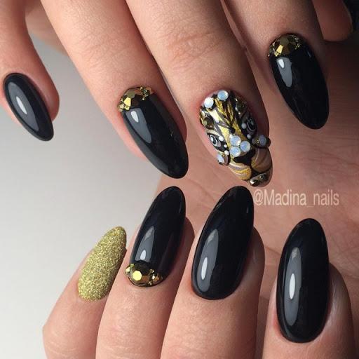 черен маникюр злато и перли