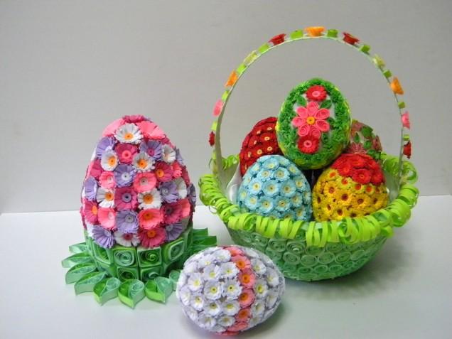 великденски яйца цветя