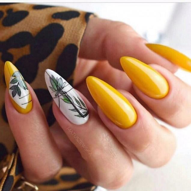 жълт маникюр дълги нокти