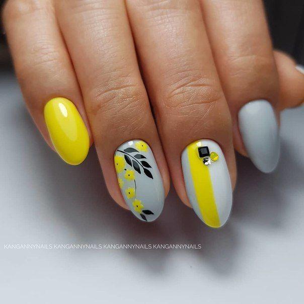 нежен маникюр жълто