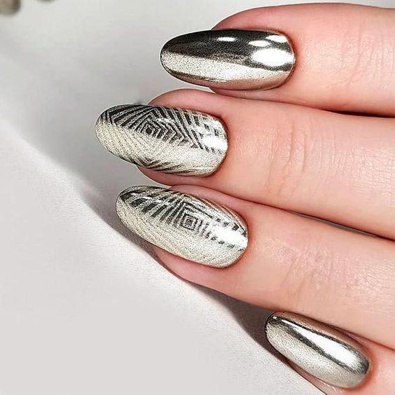 сребърен маникюр метален блясък
