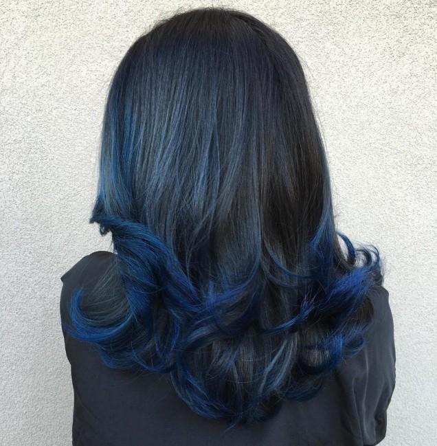 коса с мастилени кичури