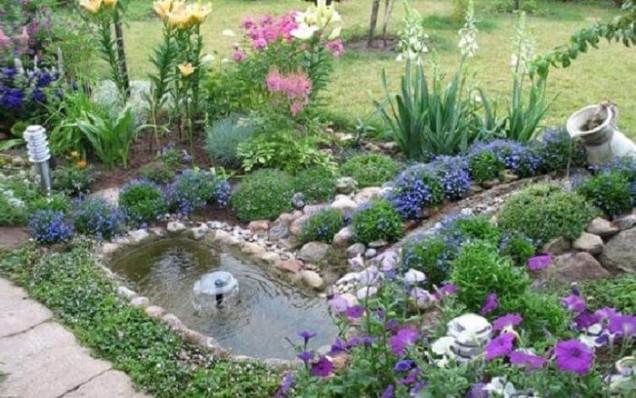 градина с фонтан