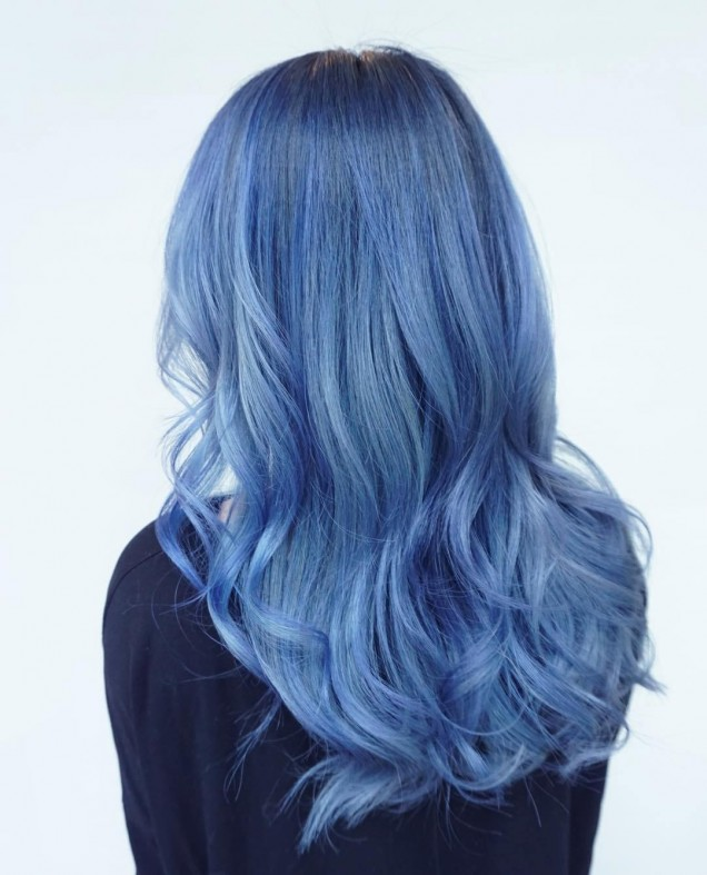 дънков цвят на косата