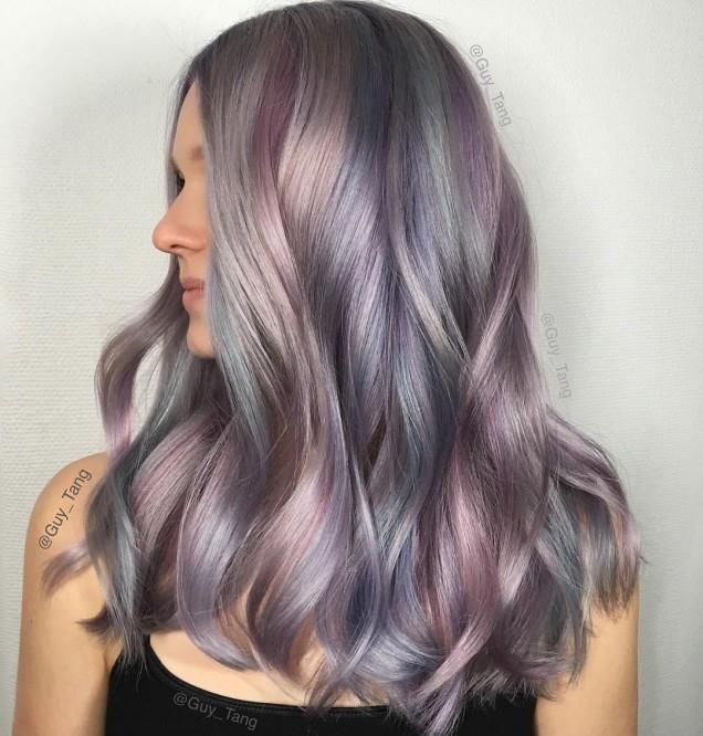 нежни лилави нюанси в косите