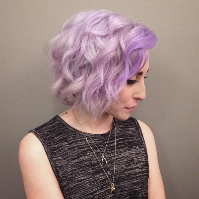 люляков цвят на косата