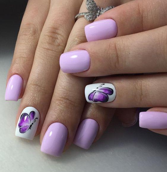 лилав маникюр къси нокти