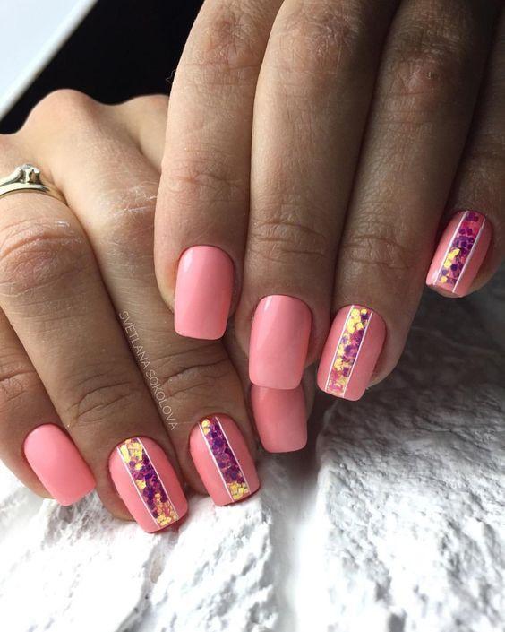 розов маникюр къси нокти