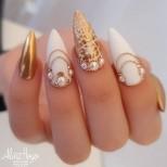 маникюр перли и кристали