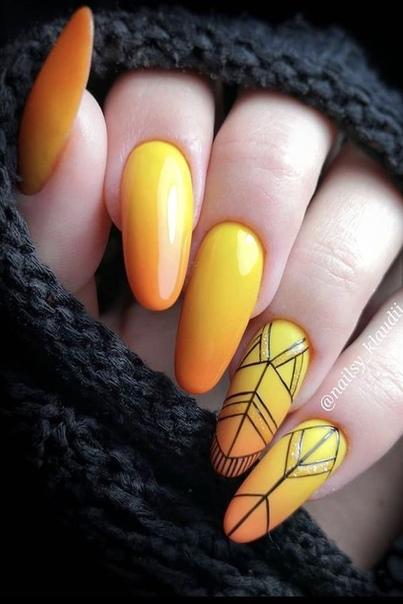 жълт геометричен маникюр