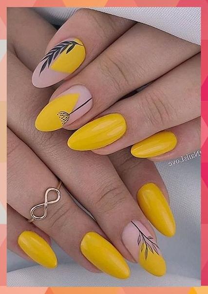 елегантен жълт маникюр