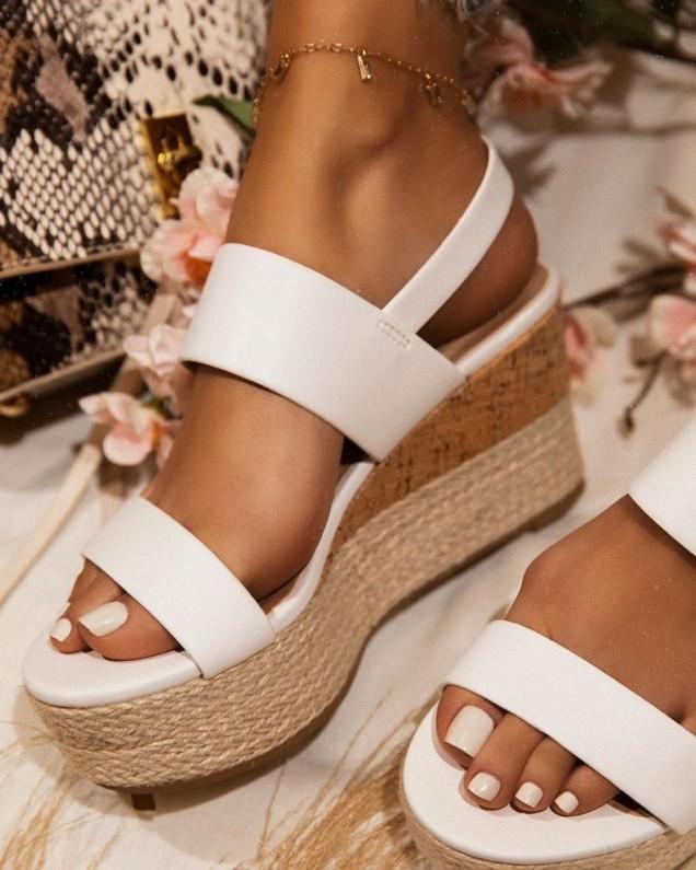 Дамски обувки на платформа спортни
