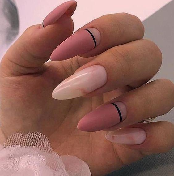 нежен лунен маникюр дълги нокти