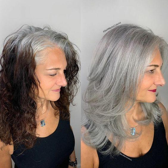 дълги сиви коси