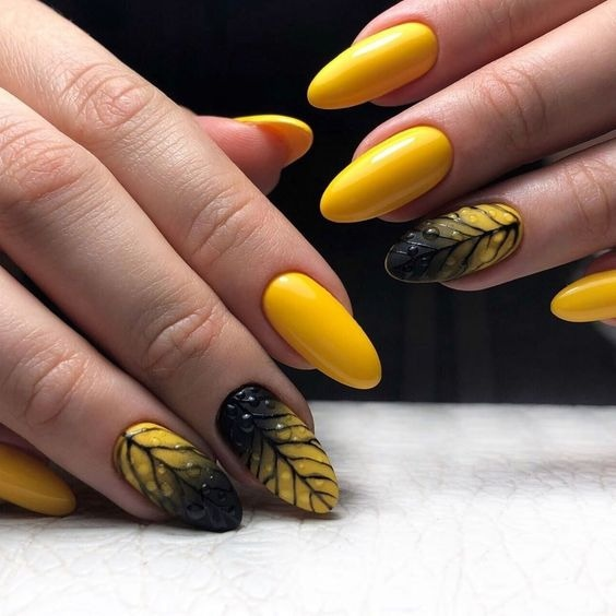 жълт маникюр с черно