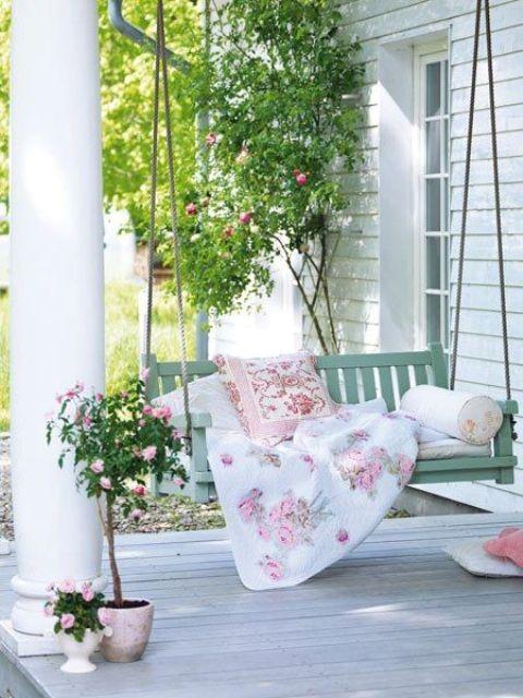 романтичен кът на двора
