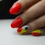 летен дизайн на ноктите с овална форма