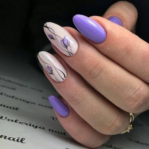 лилав маникюр с бяло.jpg