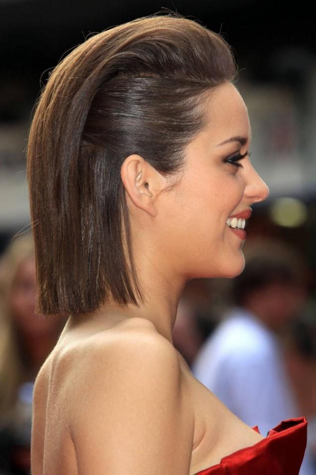 елегантна прическа среднодълга коса