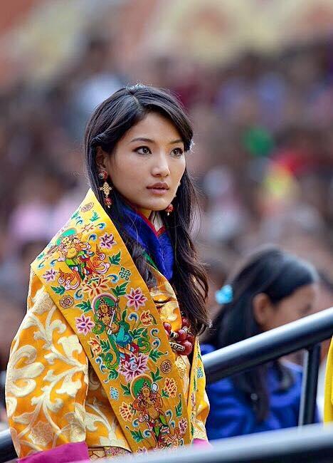красивата Бутанска кралица