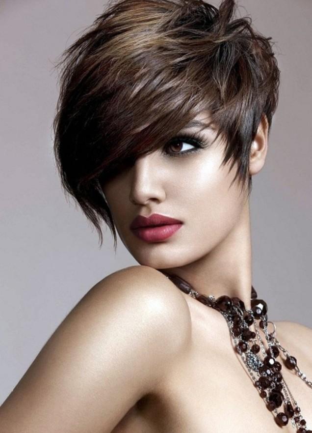 асиметрична прическа къса коса