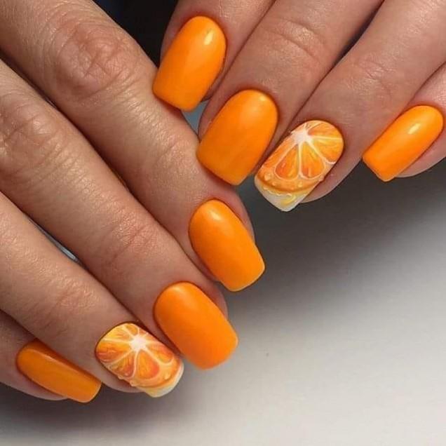 оранжев маникюр с портокали.jpg