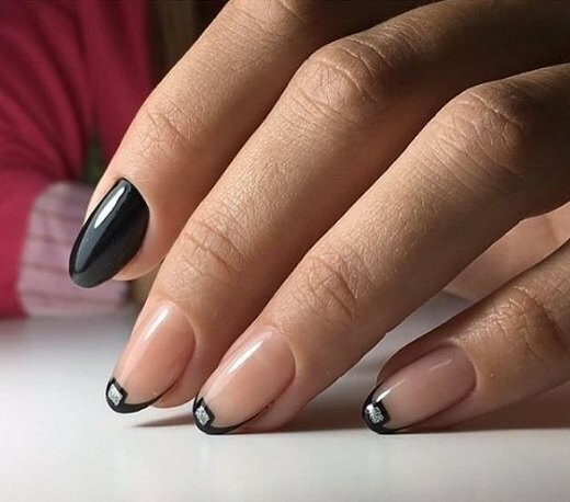 черен френч къси нокти