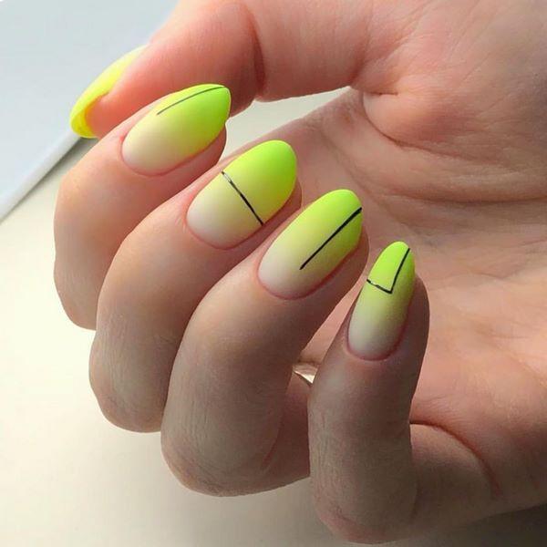 зелено-жълти нокти