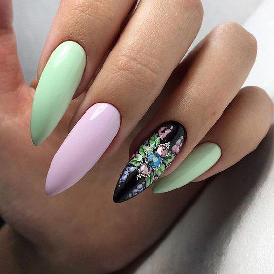 остри нокти шарени