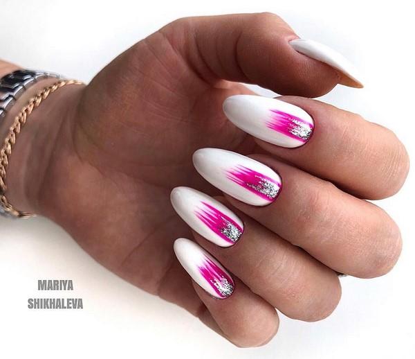 бяло с розово маникюр 2020