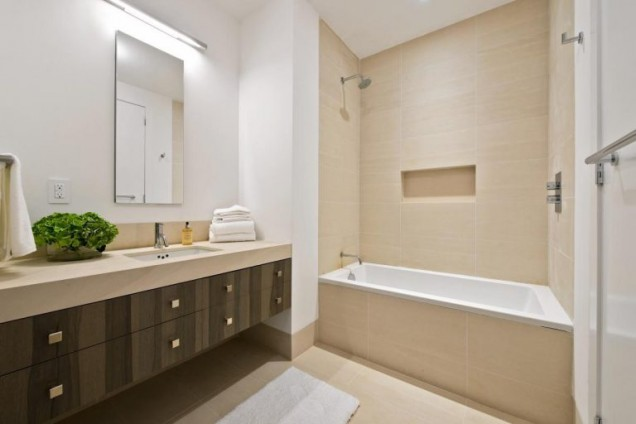 Апартаментът на Джей Ло баня