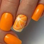 маникюр с портокал.jpg