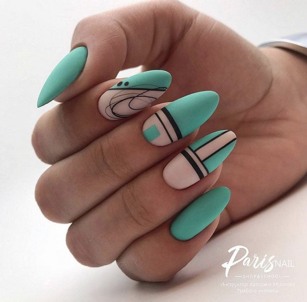 дизайна на ноктите за лятото