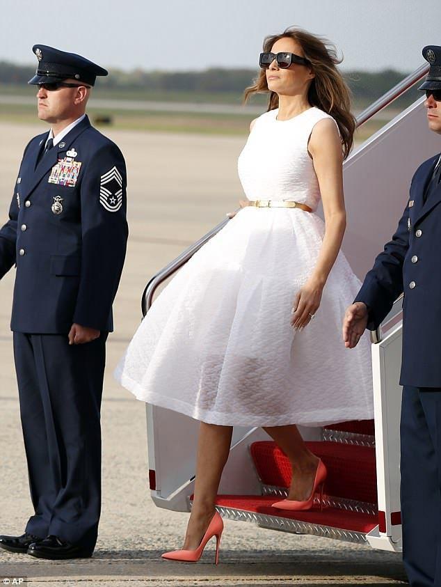 Мелания Тръмп феерична рокля