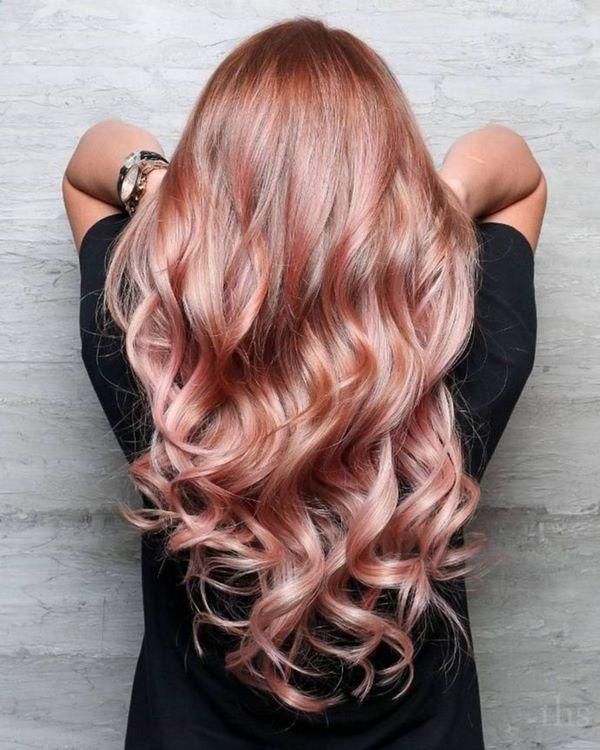 червено злато в косата