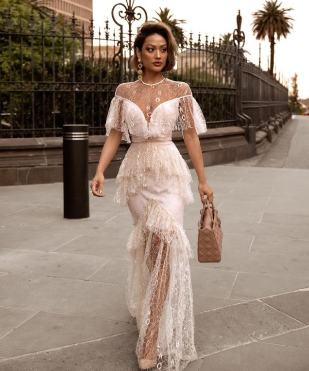 лятна дантелена рокля