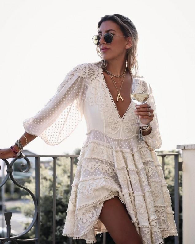 плажна рокля в бяло