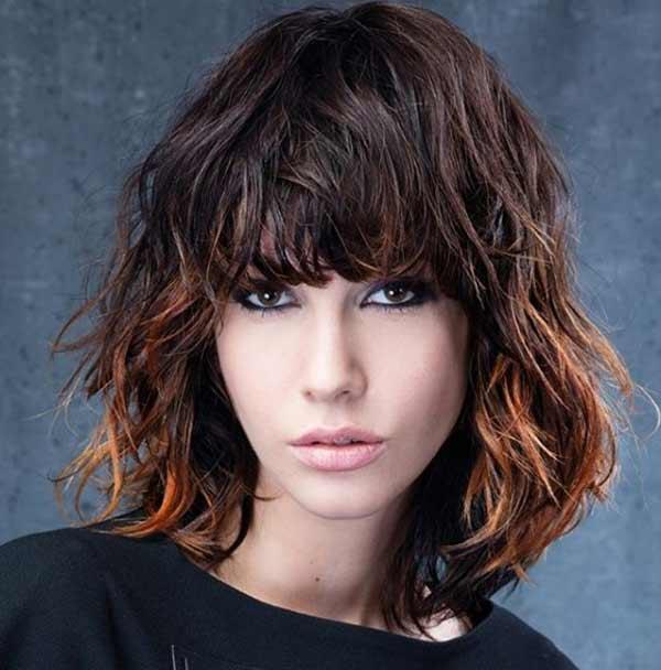 италианска прическа с бретон средна коса