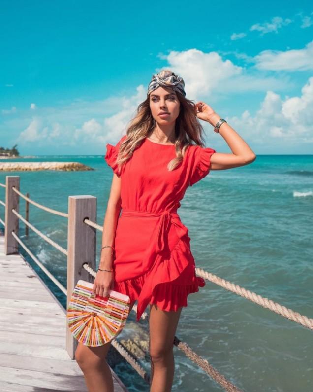 плажна рокля в червено