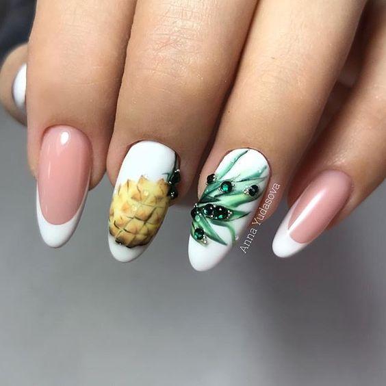 бял френч на цветя