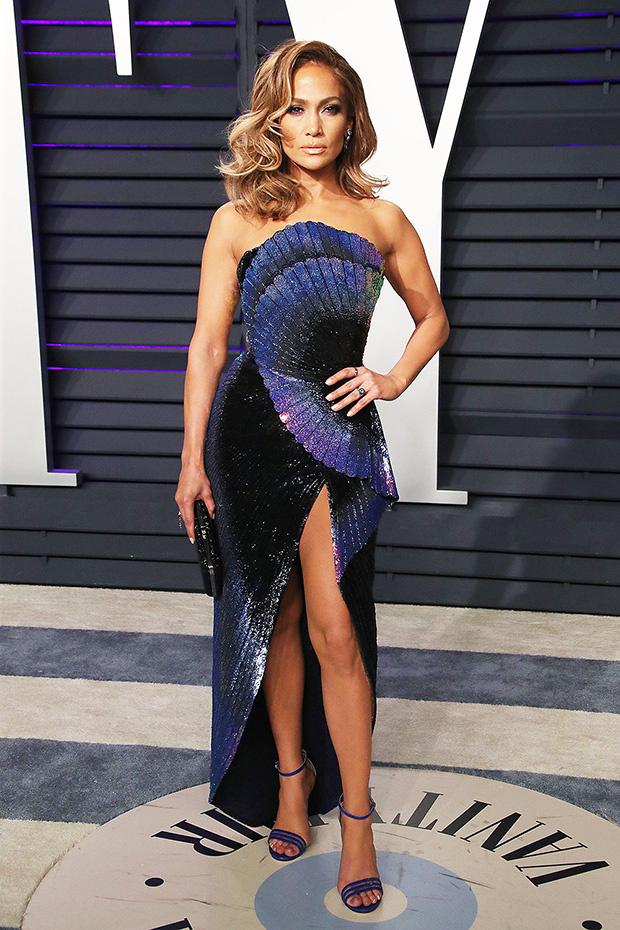 Дженифър Лопес ефектна рокля