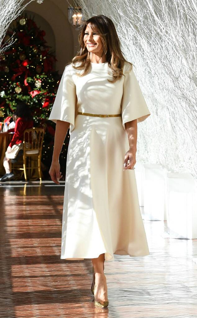 Мелания Тръмп бяла рокля