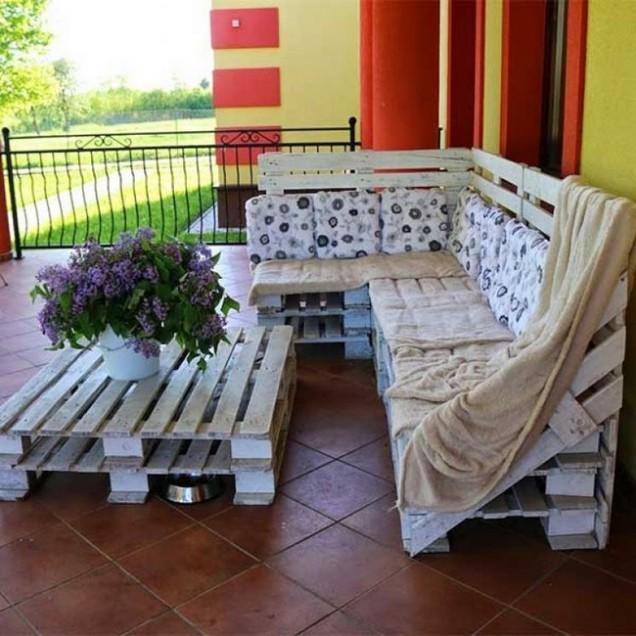 диван от палети