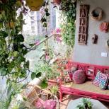 романтичен балкон в розово