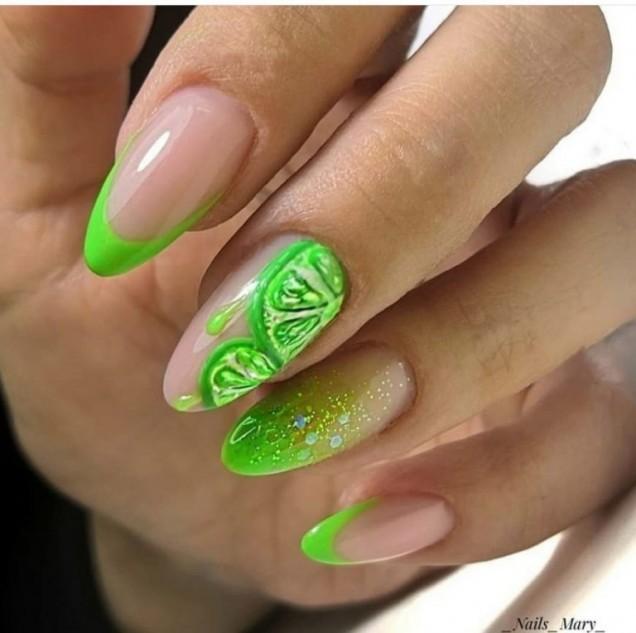 зелен неонов маникюр