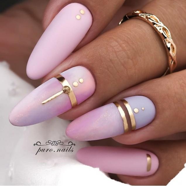 розови нокти обли